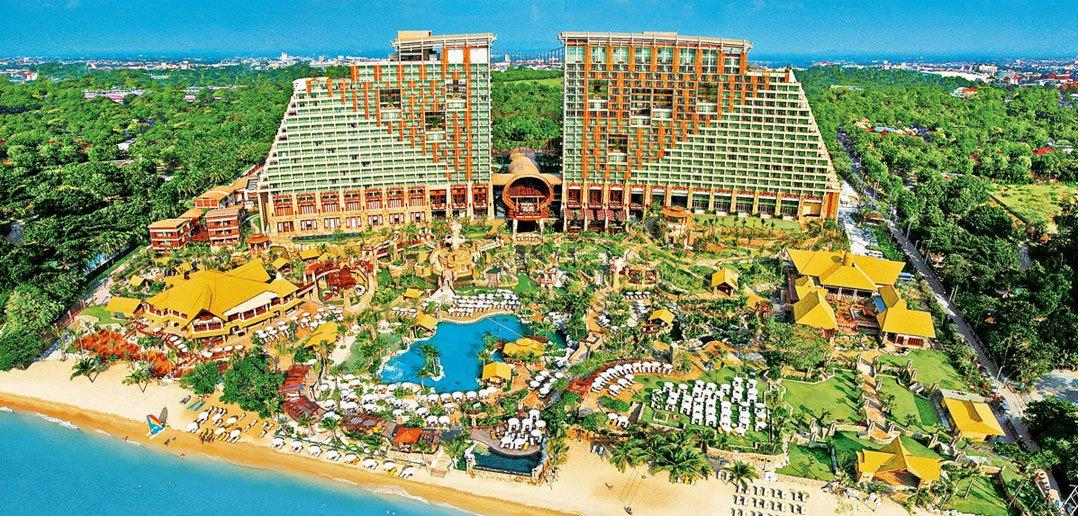 Centara Grand Hotel