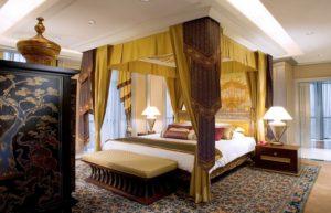 Ranakosin Theme Suite (Master Bedroom)